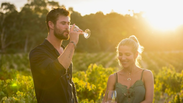 Chris Hemsworth And Elsa Pataky Super Hot Vacation moments HollywoodGossip