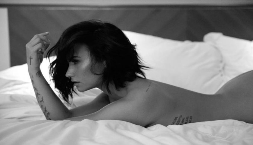Demi Lovato Shows S3xy Body Images Photo Pics HollywoodGossip