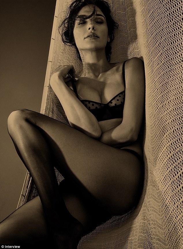 Gal Gadot Hottest Sexiest Photo Images Pics