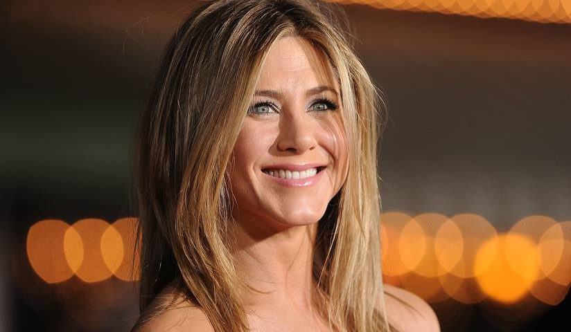 Jennifer Aniston Continues To Rely On Her Friends After Her Divorce Hollywoodgossip