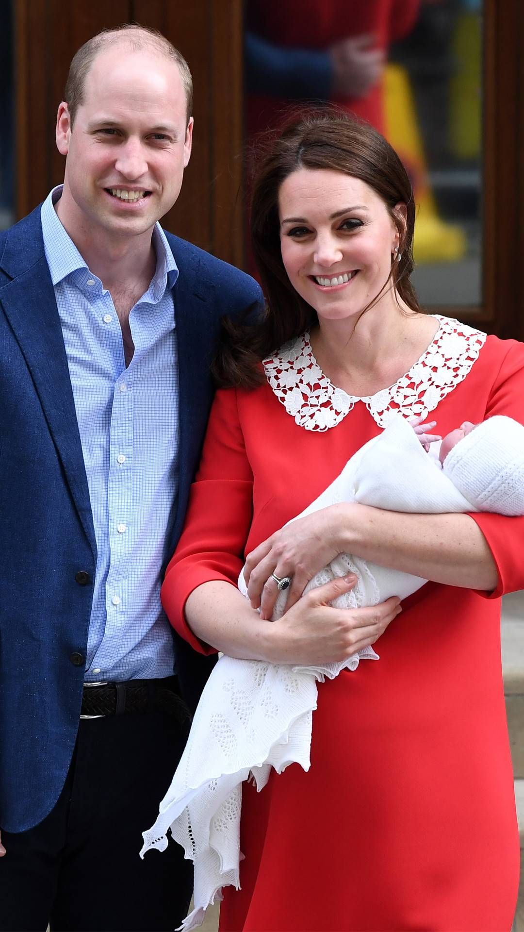 The First Month Of Prince Louis In The Royal Family Hollywoodgossip
