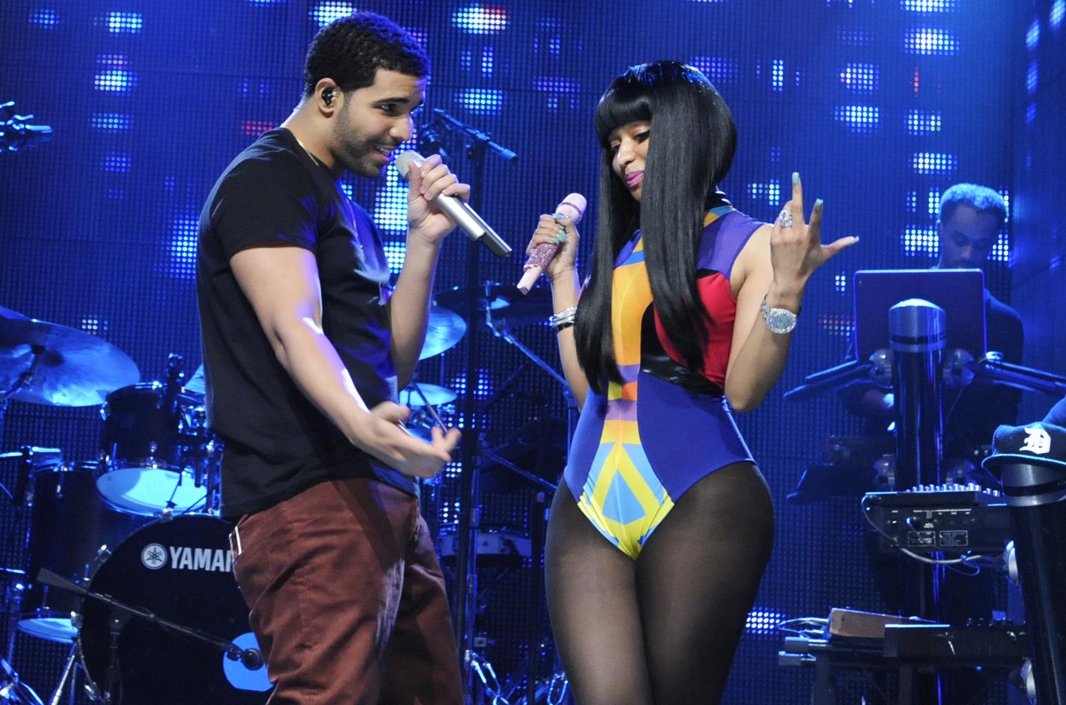 The Chemistry Between Drake And Nicki Minaj Hollywoodgossip