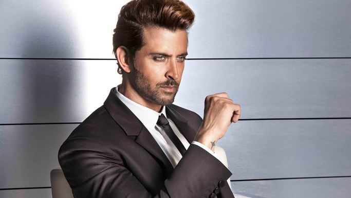 Top 10 Hottest Bollywood Actors