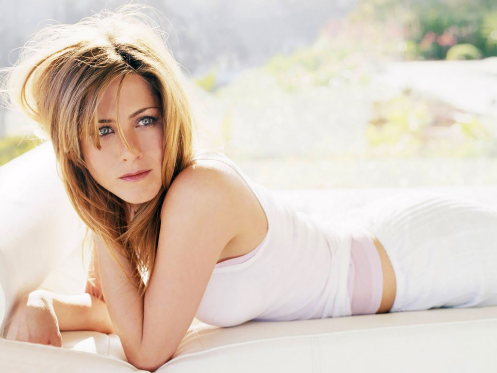 Jennifer Aniston Hottest S3xiest Photo Images Pics HollywoodGossip