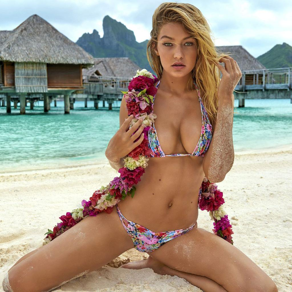 Gigi Hadid Hottest S3xiest Photo Images Pics HollywoodGossip