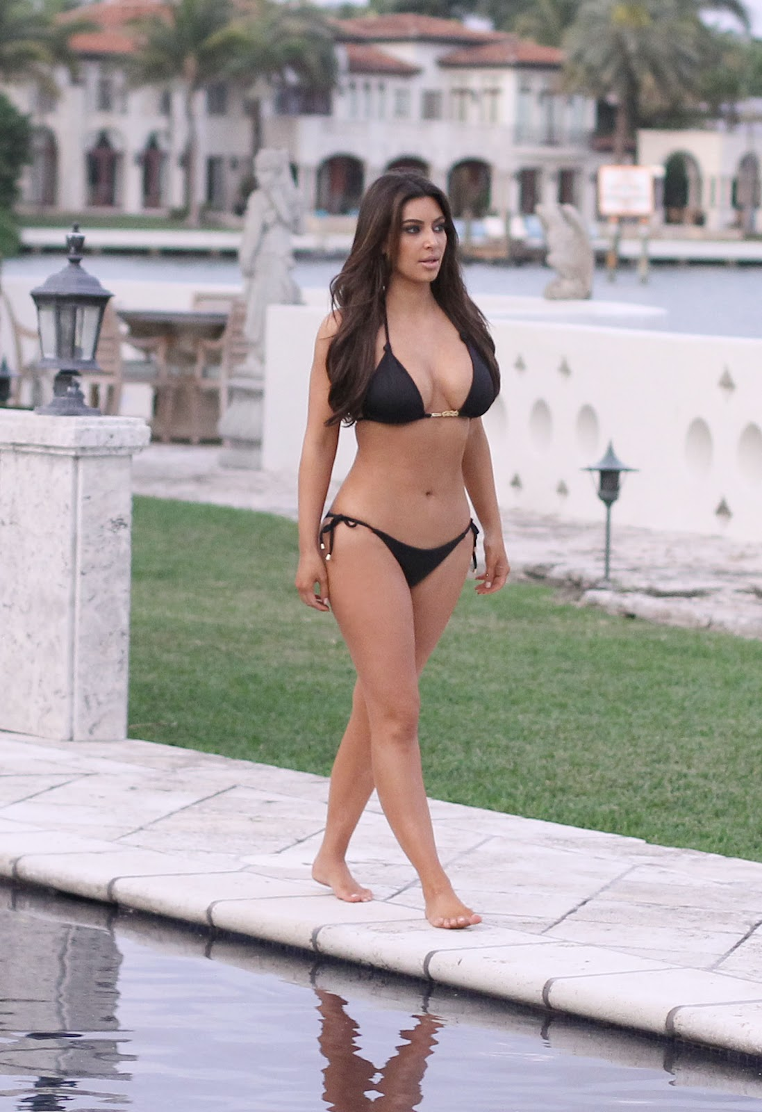 Kim Kardashian Hottest S3xiest Photo Images Pics HollywoodGossip