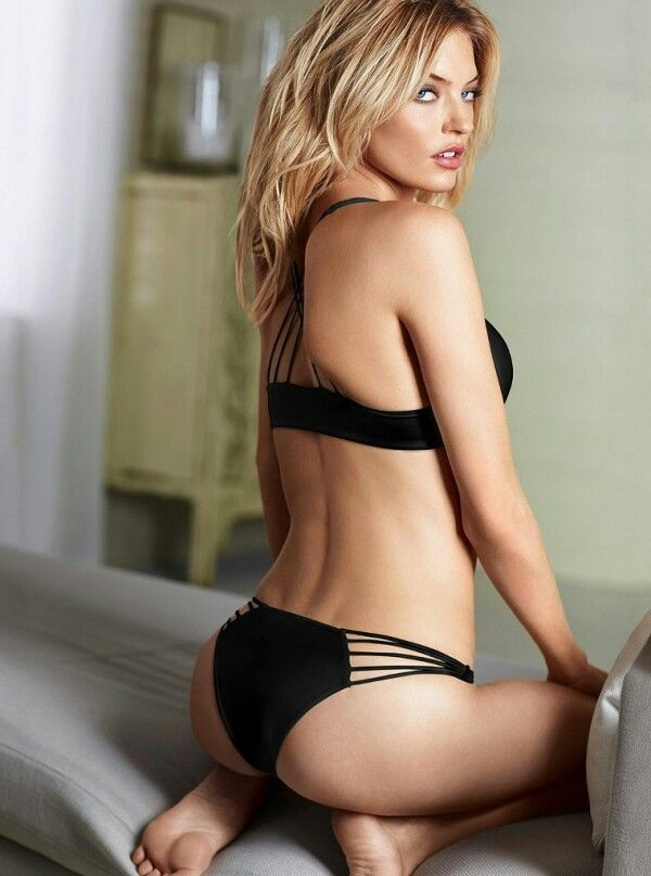 Margot Elise Robbie Hottest S3xiest Photo Images Pics HollywoodGossip