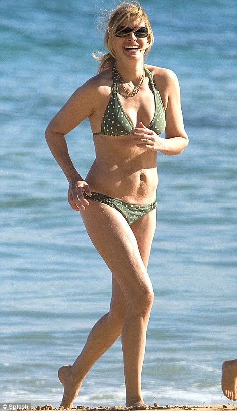 Julia Roberts Hottest S3xiest Photo Images Pics HollywoodGossip