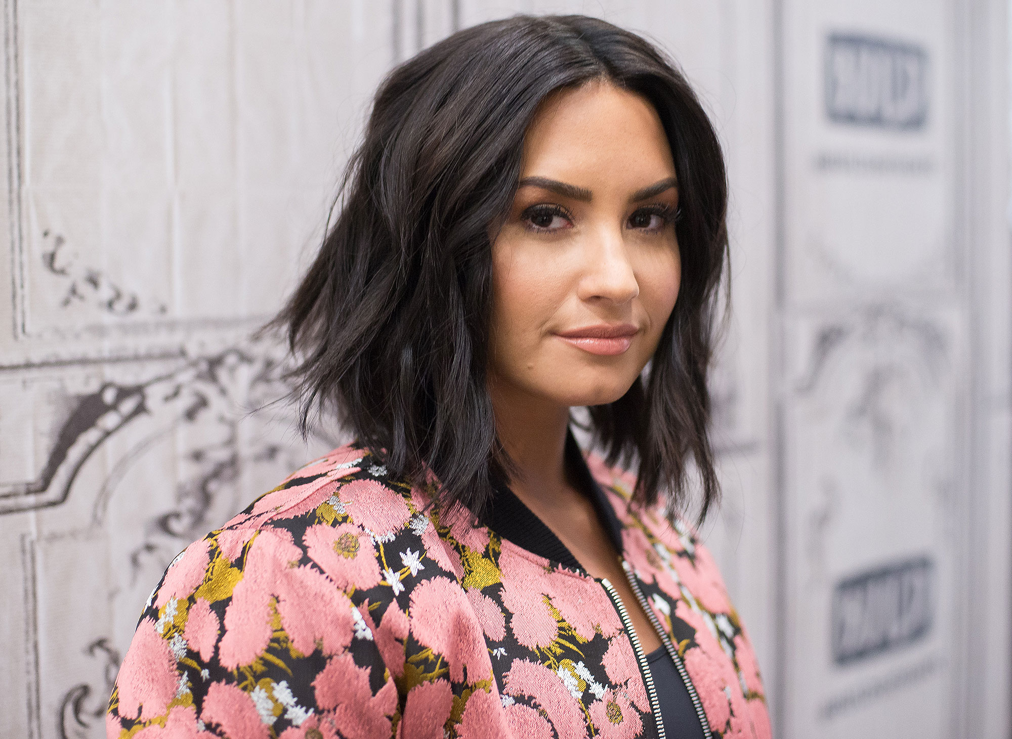 Full Details And Images Of Demi Lovato's Thanksgiving HollywoodGossip