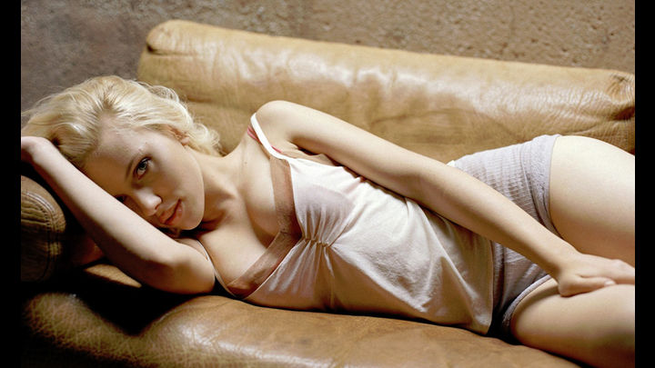 Scarlett Johansson Hottest S3xiest Photo Images Pics HollywoodGossip