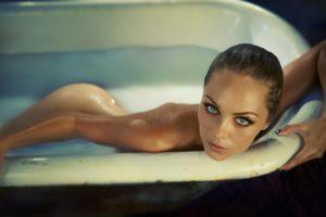 Laura Vandervoort hot pics images photos