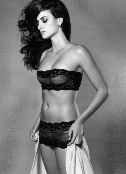 Penelope Cruz hot pics images photos