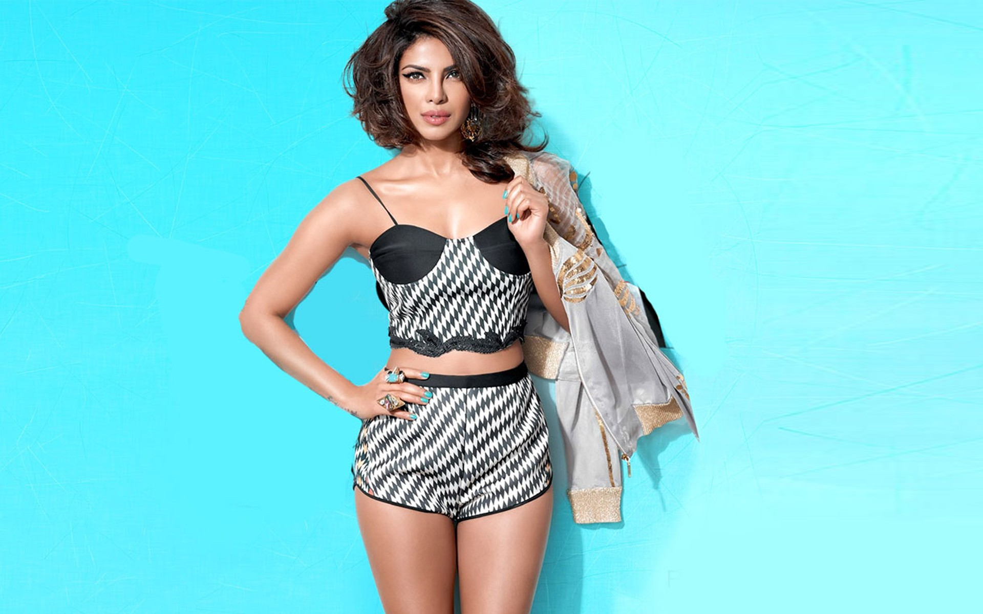 Priyanka Chopra hottest photos pics images
