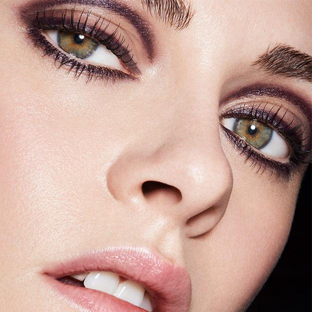 Kristen Stewart eyes pics