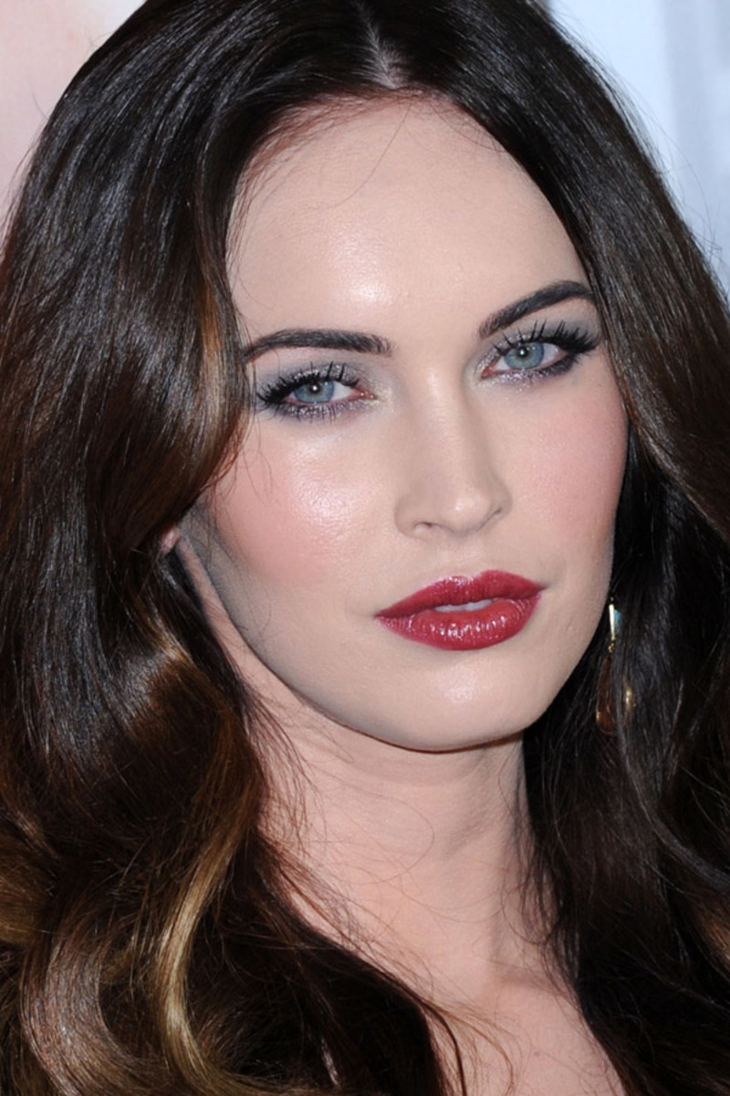 Megan Fox eyes pics