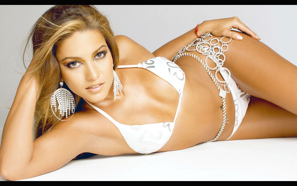 8. Adriana Fonseca